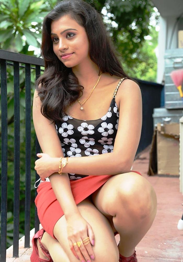 Ceylon Actress Blog Provides Photos Of The Hot And Sexy Sri Lankan Actress Girls And Models Photo Find The Hot And Sexy Sri Lankan Girls Actress