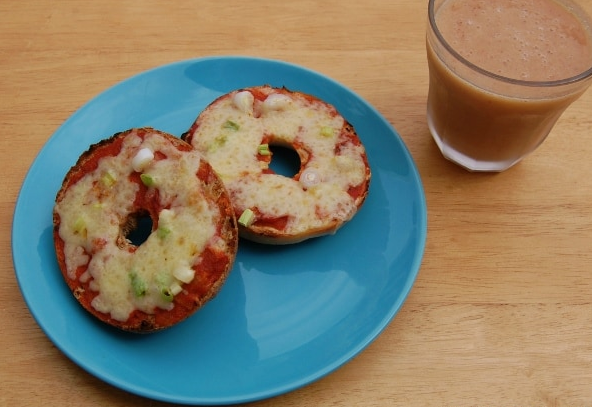 Quick & Easy Bagel Pizzas