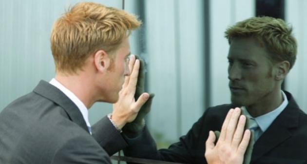 Benarkah Berbicara Sendiri Bikin Sehat?