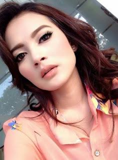 Photo Rosnita Putri Terbaru