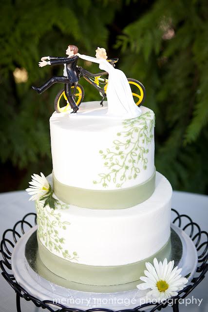 Memory Montage Photography Blog Yakima Wedding Cakes Cake Kiss