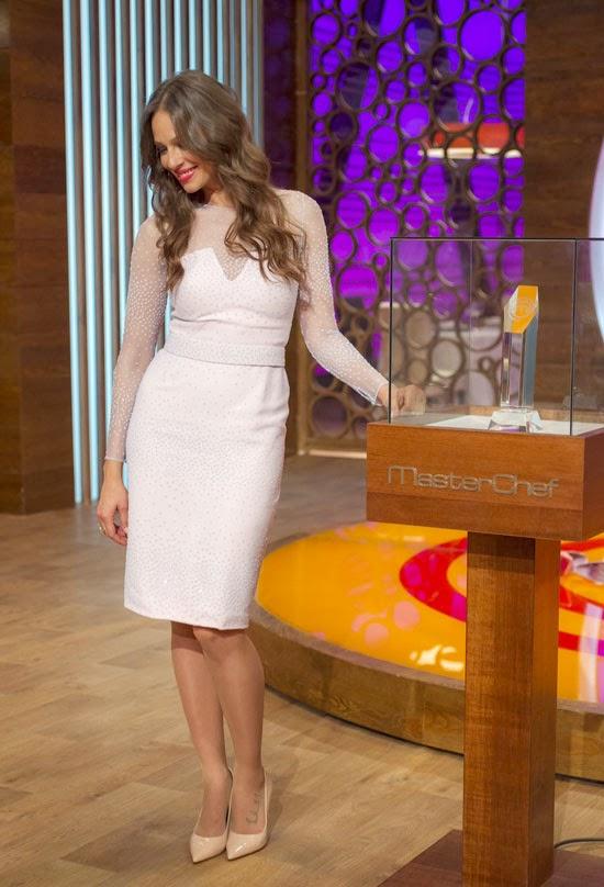 d2fc17eccf El vestido blanco de Eva González en la final de Masterchef