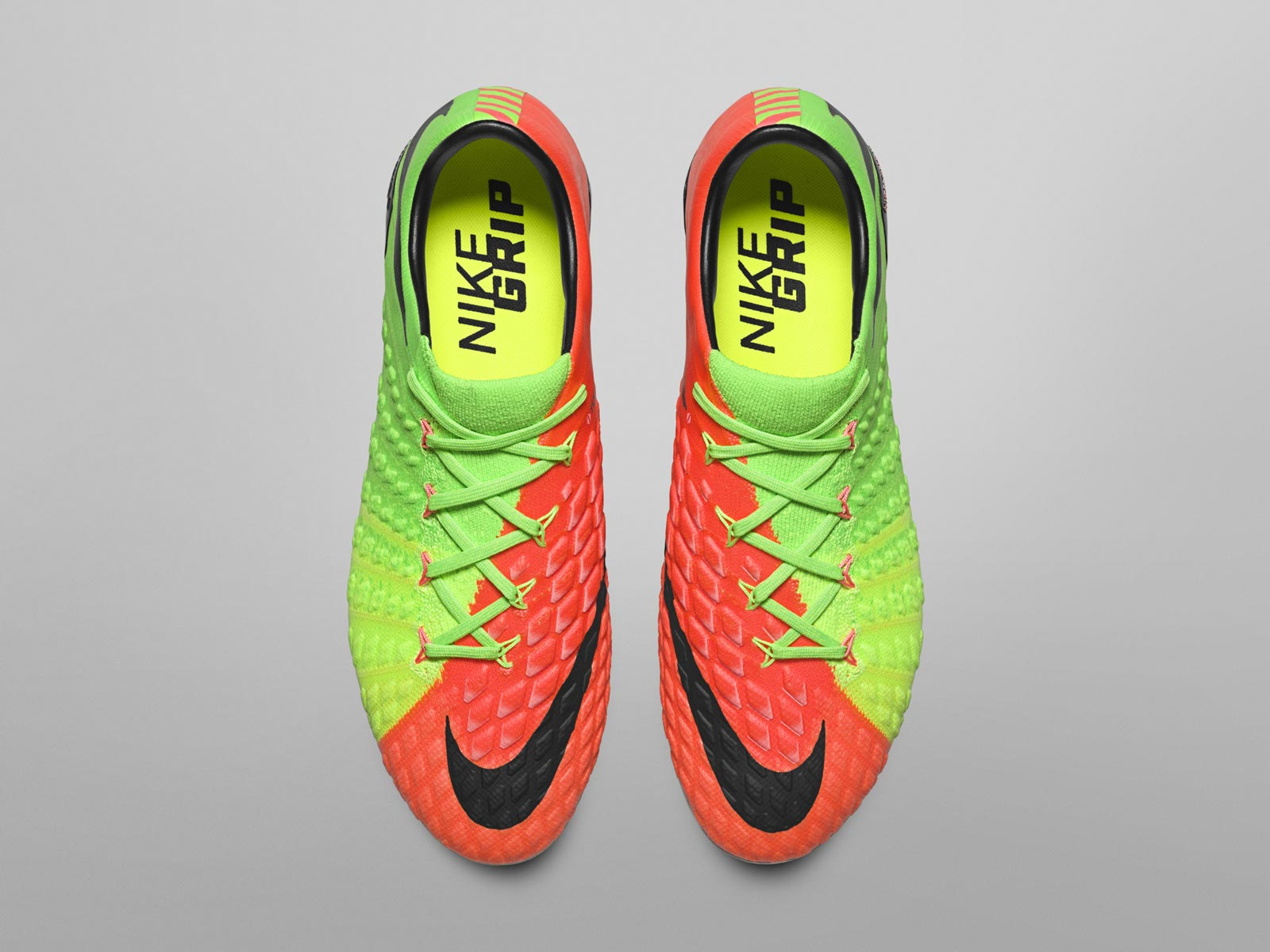 d71154427 Compared to the Nike Hypervenom Phinish, the all-new Nike Hypervenom  Phantom III low ...