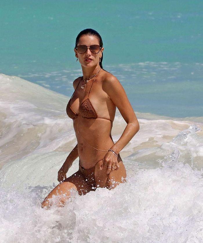 Американская модель Алессандра Амбросио