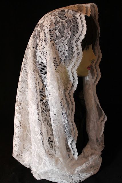 http://rosamysticamantilla.com/white-chapel-veils.php#!/Infinity-Veil-Eternity-veil-Lace-Mobius-Scarf-White-Chapel-Veil-Mantilla-for-Mass-Maria-Carmen-Gonzoles-Veil/p/59394897/category=9630455