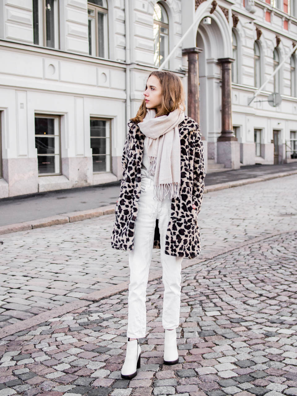 Winter outfit with faux fur leopard coat - Talvimuoti, leoparditakki