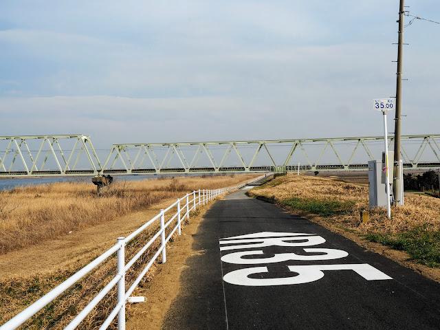 利根川 JR鹿島線 海から35km