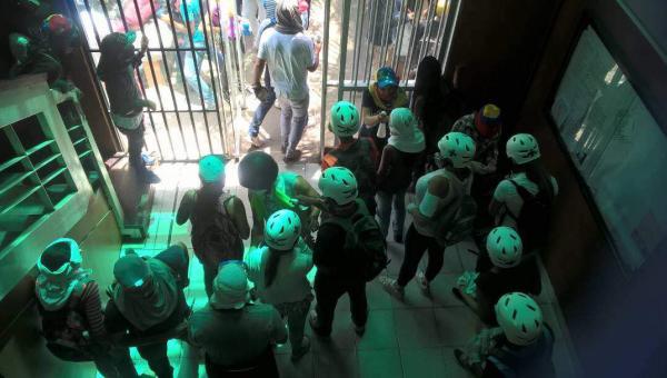 Estudiantes de la Universidad Santiago Mariño estuvieron secuestrados por la Guardia Nacional en Nueva Esparta
