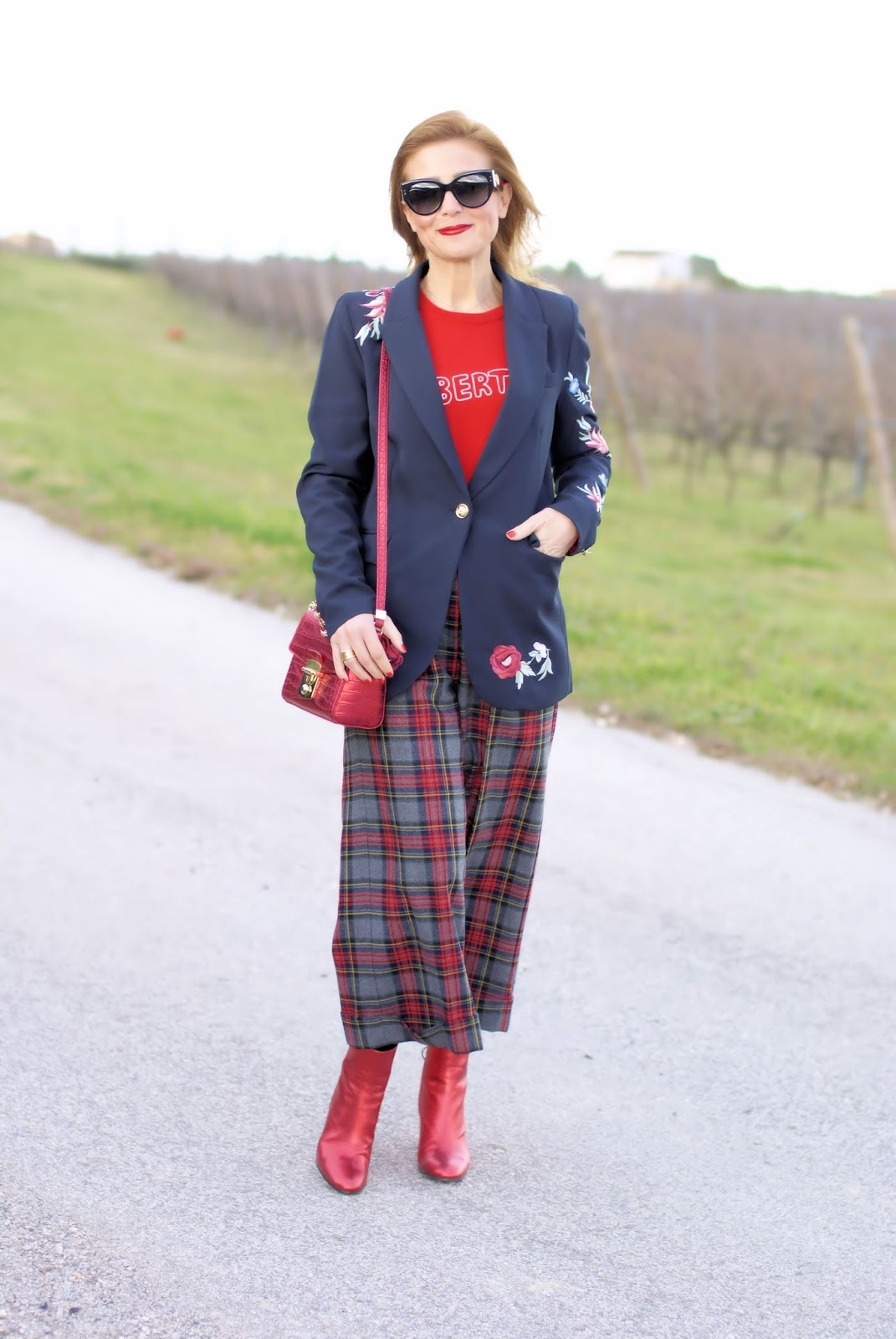 Zaful embroidered blazer and Vicolo plaid pants on Fashion and Cookies fashion blog, fashion blogger style
