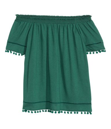 Spring/Summer Capsule Wardrobe: Five Tops for Play from Honey and Smoke Studio // Off-the-Shoulder Top in dark green from H&M