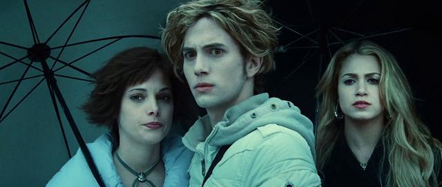 Twilight (2008) Dual Audio [Hindi-English] 720p BluRay ESubs Download