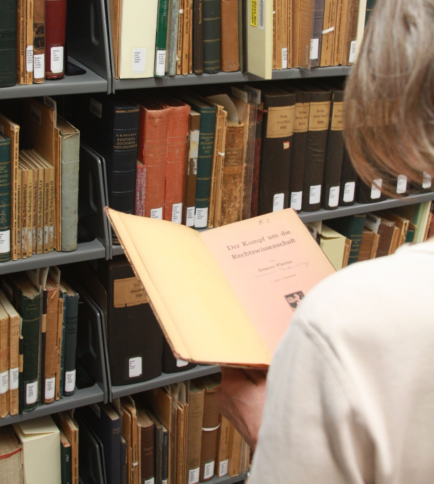 The Project To Assemble The Kantorowicz Library Was Carried Out By Our  Colleague And Collections Expert Extraordinaire, Ingrid Miza, And A Student  Worker,