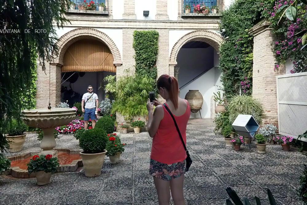 Ventana de foto palacio de viana c rdoba for Azulejos y saneamientos mg