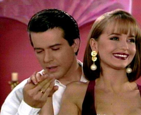Paola seduz milionário Douglas Maldonado