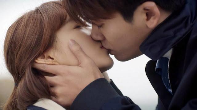 Park Hyung Shik thú nhận có lẽ mình đã phải lòng Park Bo Young
