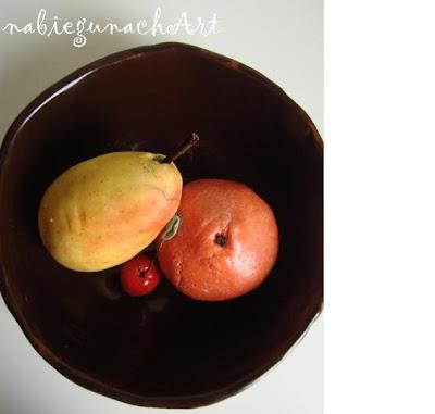 Kolorowe owoce z lukru plastycznego