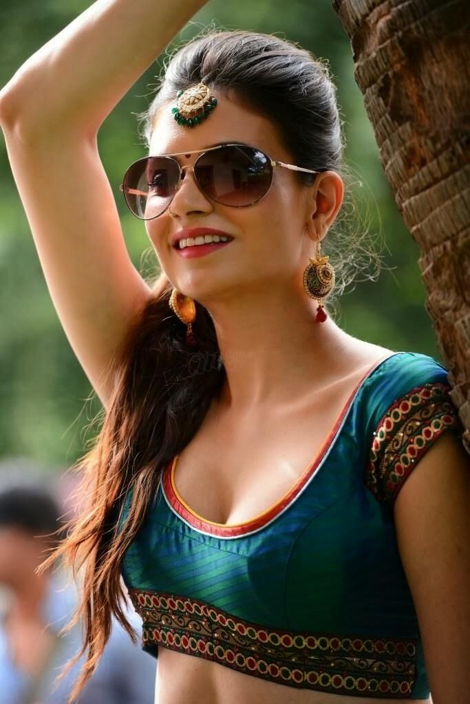 Hot Simran kaur in green half saree photo gallery