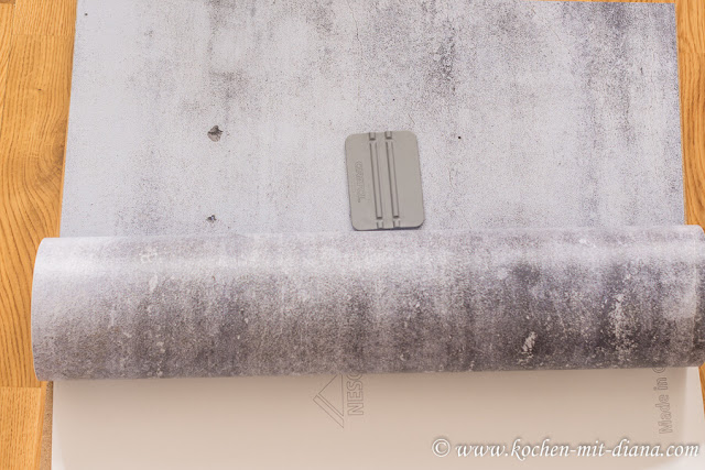 Fotohintergrund-mit-Selbstklebefolie-DIY