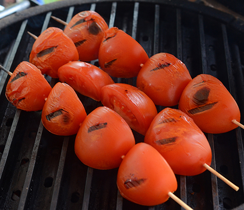 How to grill tomatoes on a charcoal grill
