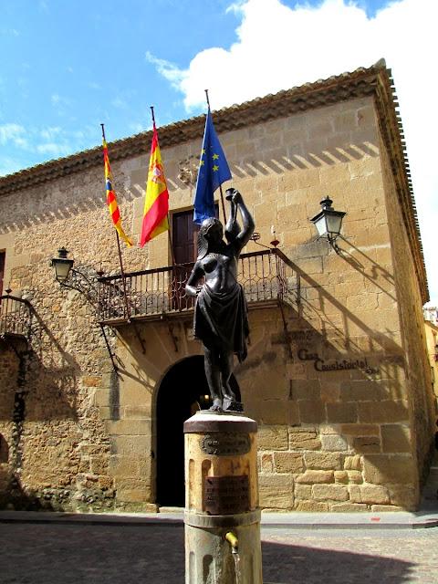 Rubielos de Mora, Teruel, abril 2014 - Paseos Fotográficos