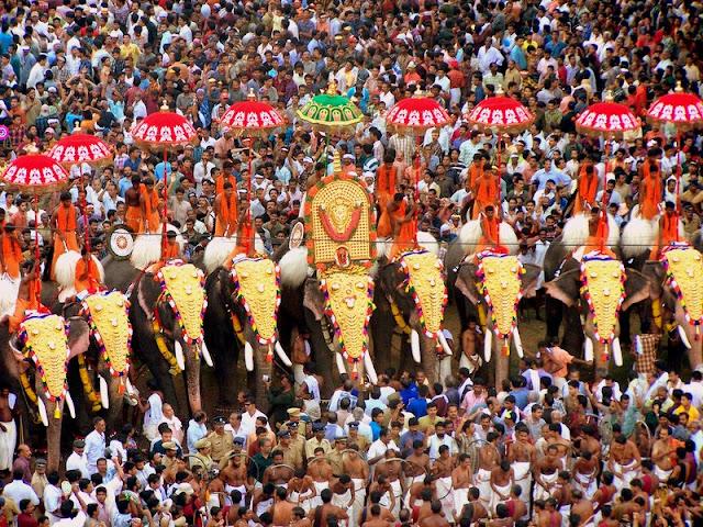 emple célèbrent leurs petites et grandes fêtes en kerala