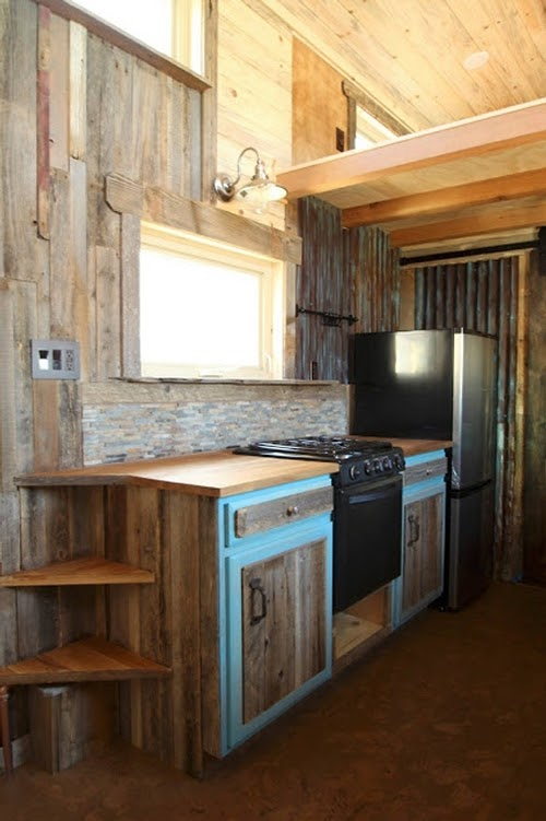 06-Kitchen-Sustainable-Architecture-with-a-Tiny-House-on-Wheels-www-designstack-co