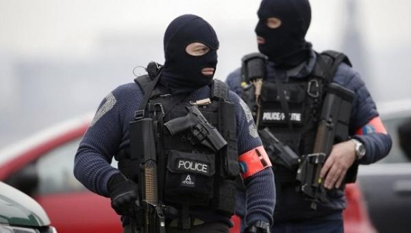 Sospechoso de tener explosivos pone en alerta máxima a Bruselas