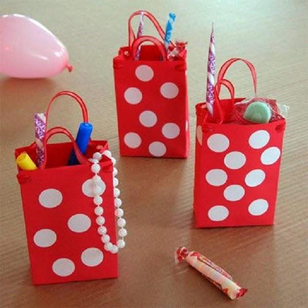 Bolsa de papel para recuerdos de fiesta.