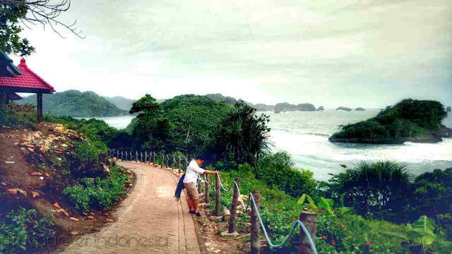 Lokasi Wisata pantai teluk asmoro malang, jawa timur