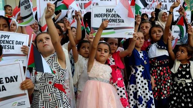 [Video] Warga Palestina Kibarkan Merah Putih dan Kumandangkan Lagu Indonesia Raya