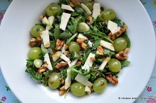 Υπέροχη σαλάτα με ρόκα, φινόκιο και σταφύλια- Delicious arugula fennel grape salad