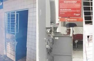 Agências de banco e dos Correios são explodidas por bandidos na Paraíba