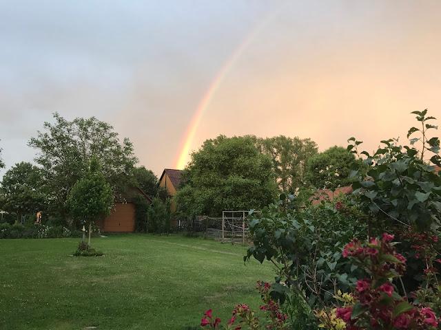 Regenbogen aber kein Regen (c) by Joachim Wenk