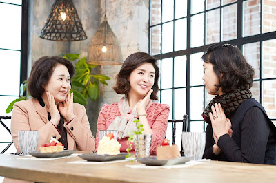 sesudah terapi kombinasi wonjin baby face v-lifting untuk wanita usia 50an 01