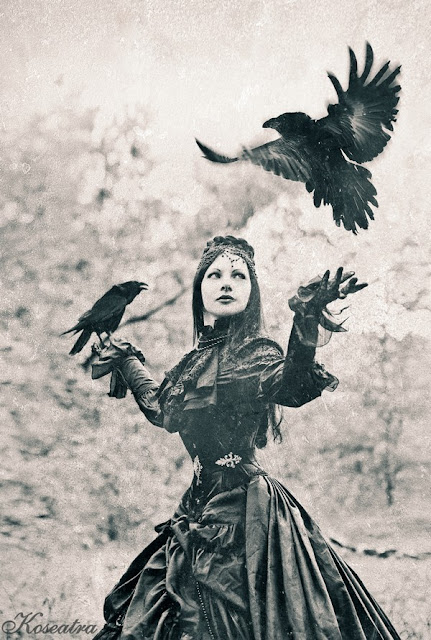 http://koseatra.blogspot.com/2012/10/black-raven-queen.html