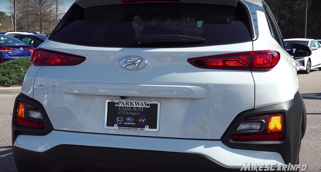 Thông Số Kỹ Thuật Xe Hyundai KONA 3 phiên bản số tự động: tiêu chuẩn 2.0AT, đặc biệt 2.0AT, turbo 1.6AT. - Kona Màu Trắng tại Việt Nam