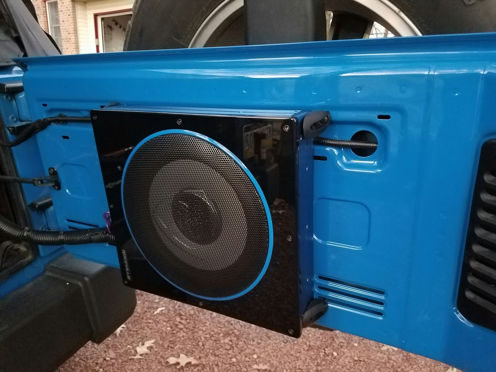 parts list for a compact sub and amplifier install of a jeep wrangler  2-door jk: 1 ) rockville 10