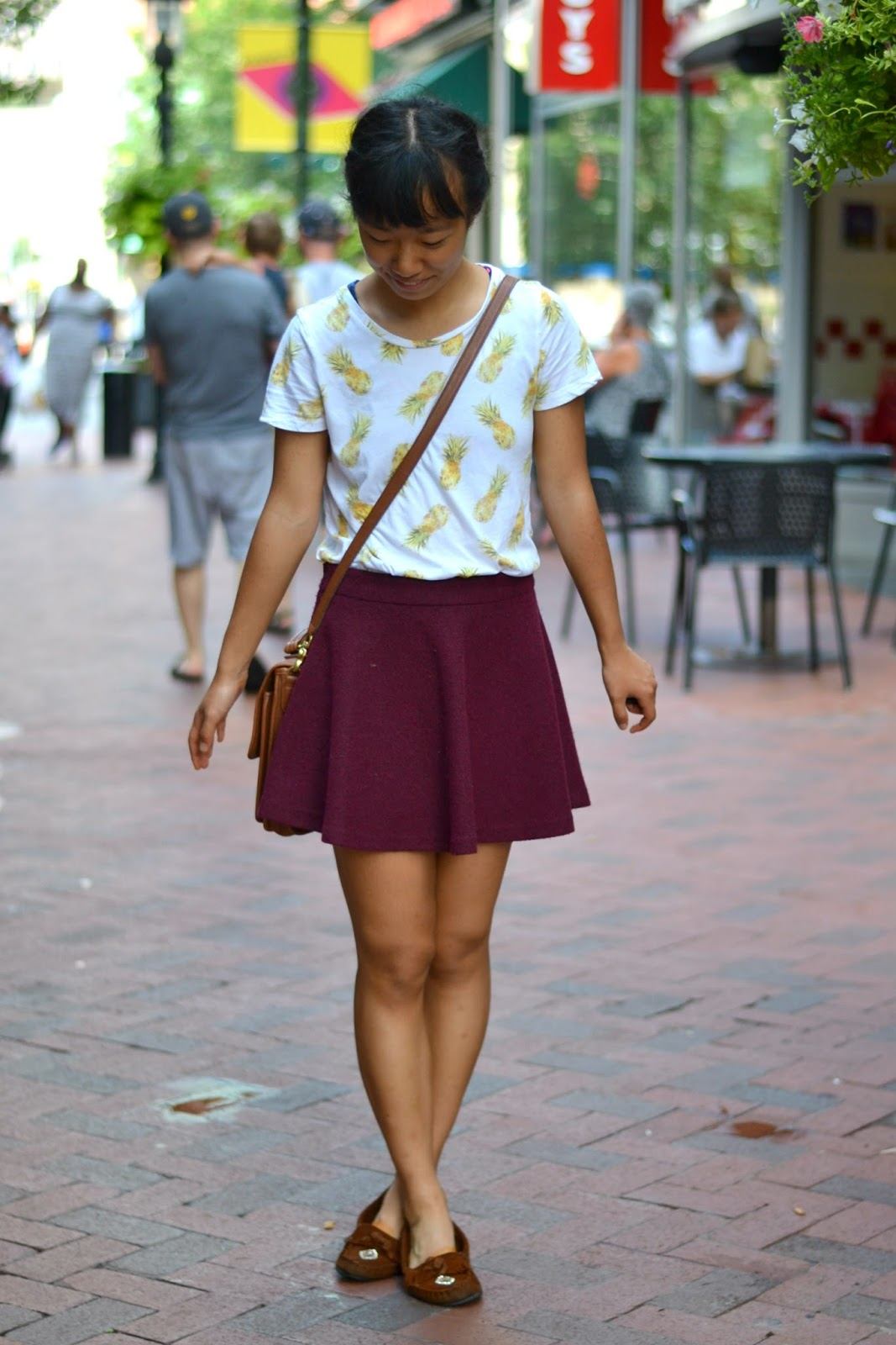 college style, pineapple shirt outfit, vintage coach crossbody