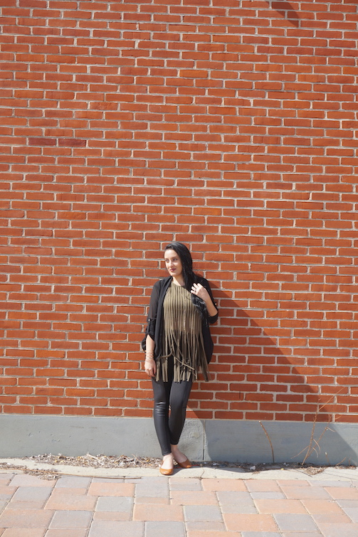 OOTD-Olive-Green-Fringe-Top-Faux-Leather-Panel-Leggings