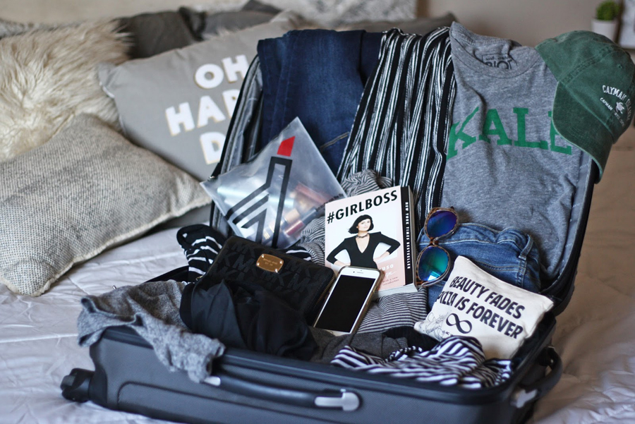 Beach Travel Tips, Travel Blogger, Lifestyle Blogger, College Blogger, How to Pack for a Trip