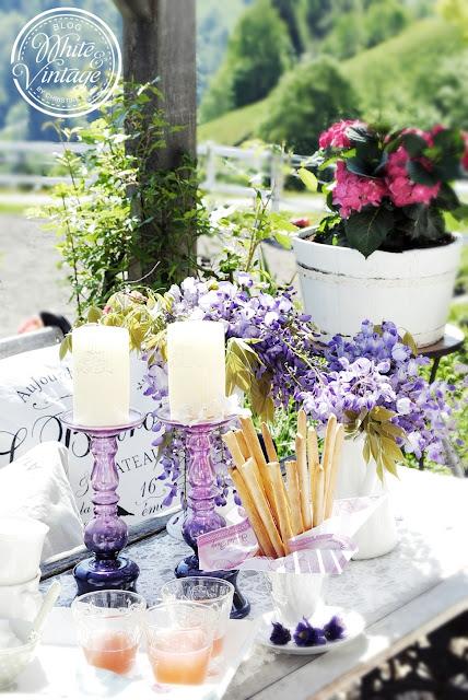 Lila Deko für den Garten