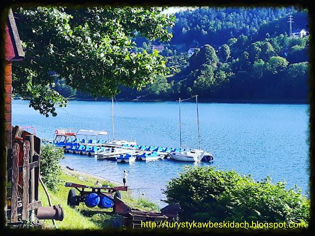 Usiądź wygodnie i podziwiaj piękno Jeziora Żywieckiego z Miłośnikami Gór i Podróży