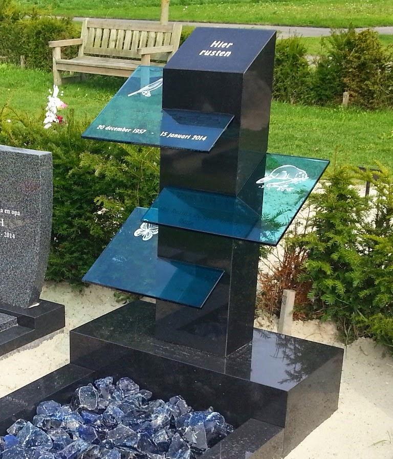 glazen grafsteen, grafsteen met glas