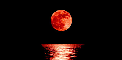 بعد أطول خسوف للقمر.. شيء غريب يحدث في الشمس