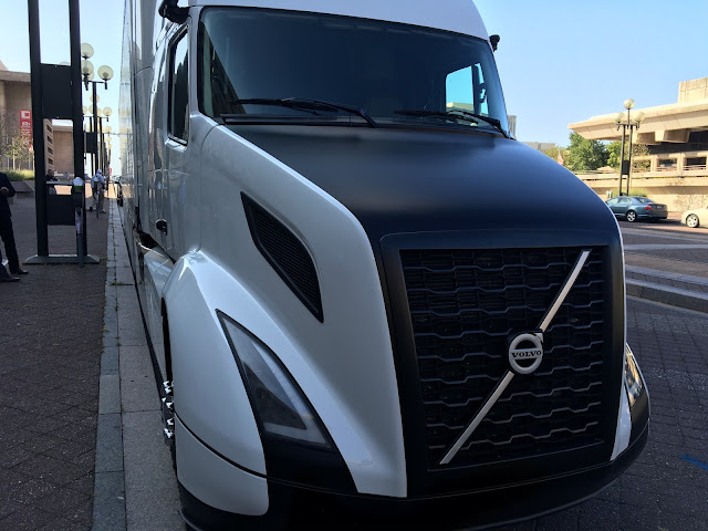 Volvo Vnl 2018 >> 2017 Volvo Semi Pictures to Pin on Pinterest - PinsDaddy