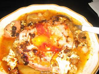 Kelkáposzta-krumpli főzelék tarjával és tükörtojással
