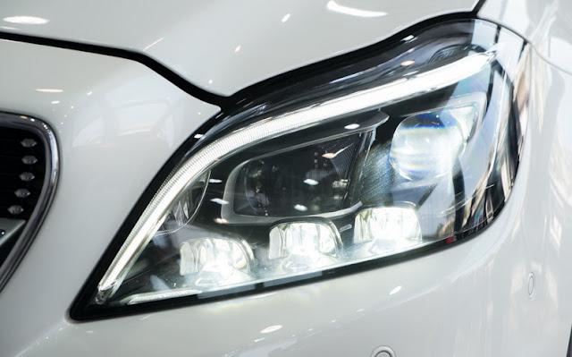 Mercedes CLS 500 4MATIC sử dụng Công nghệ chiếu sáng Multibeam LED