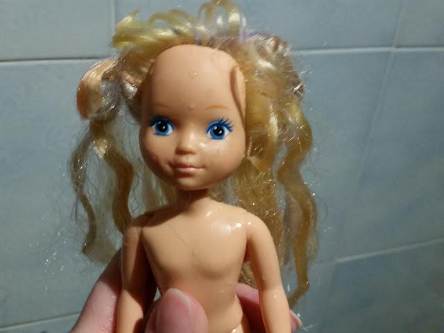 Come lavare i capelli delle Barbie e bambole e farle tornare come nuove