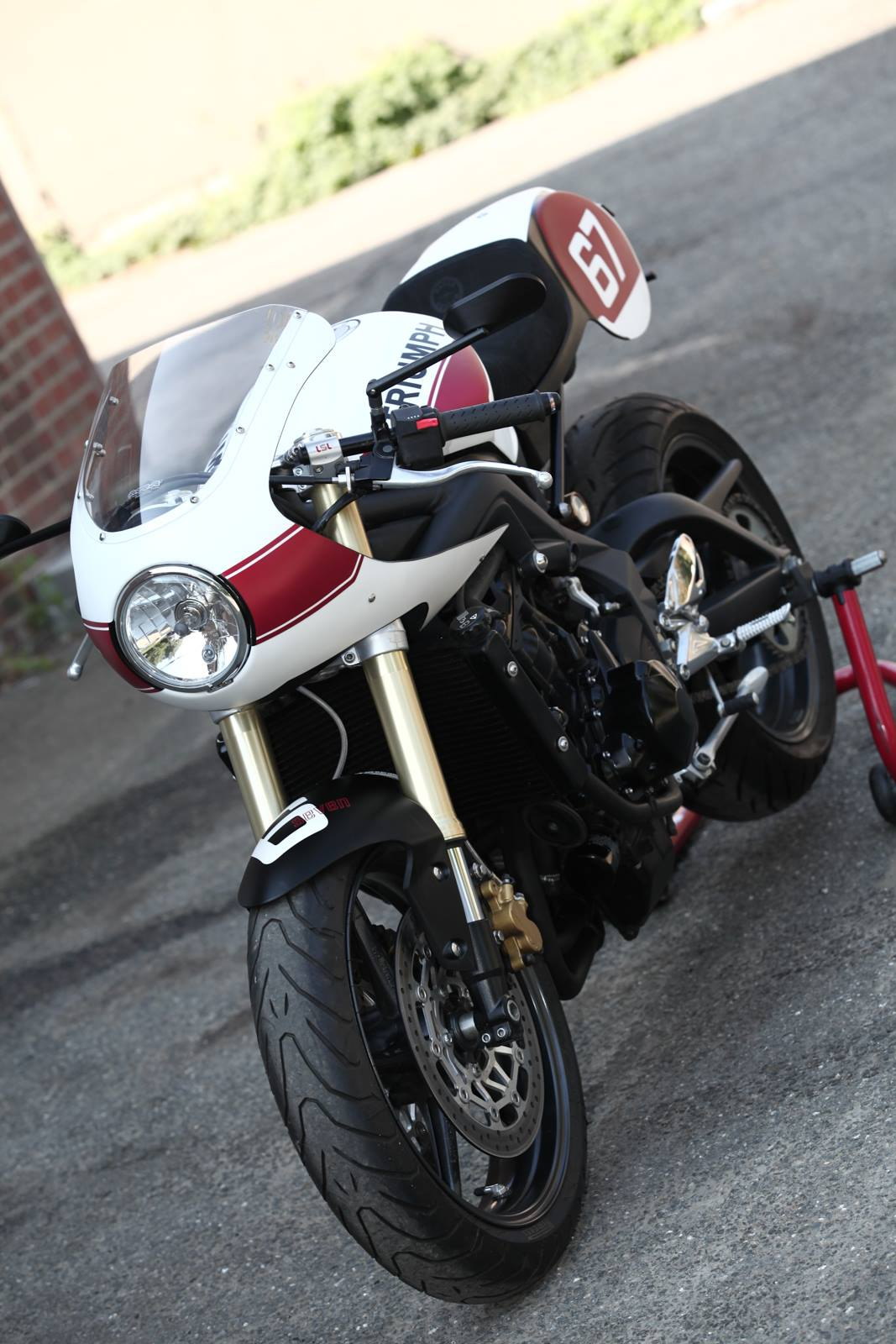 triumph street triple goes classic racer rocketgarage cafe racer magazine. Black Bedroom Furniture Sets. Home Design Ideas