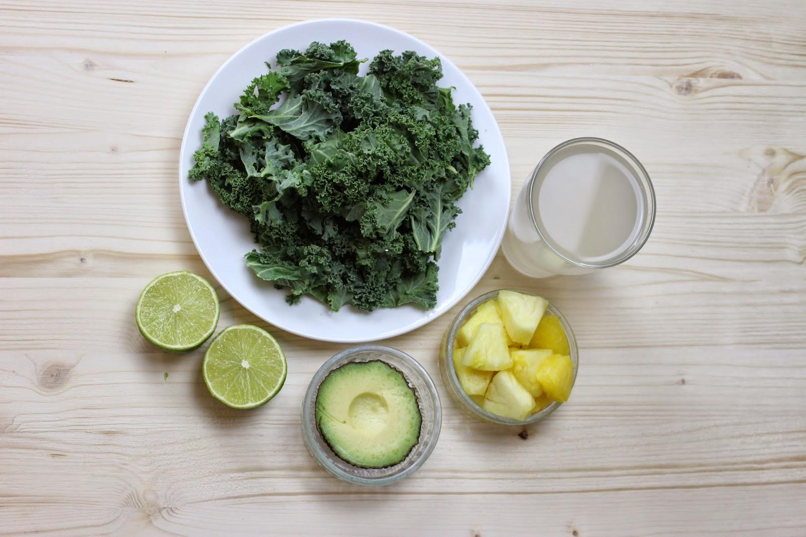 kohl ananas smoothie gr n und gesund mrs flury gesund essen leben. Black Bedroom Furniture Sets. Home Design Ideas